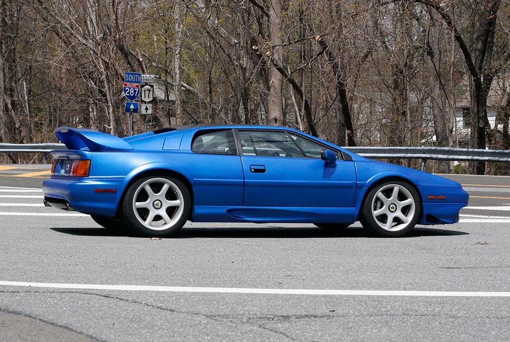 rent a lotus esprit v8 turbo available for rent in the new york tri state area ny nyc nj. Black Bedroom Furniture Sets. Home Design Ideas